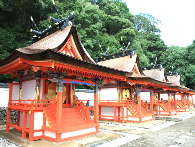 宝来山神社本殿