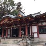 越木岩神社の拝殿、右斜め前から撮影
