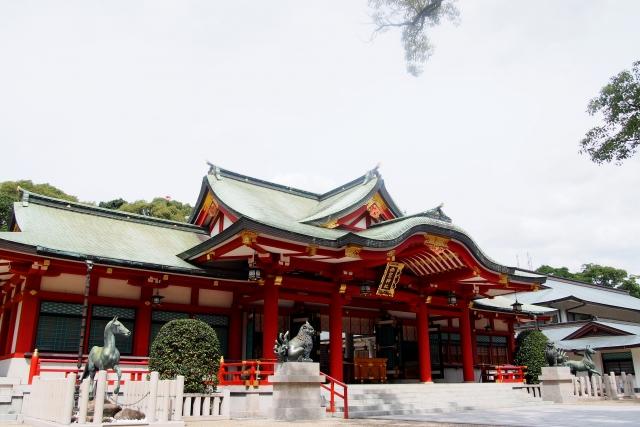 西宮神社本殿、斜めから撮影