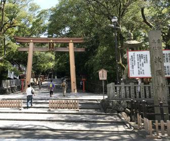 枚岡神社の二の鳥居