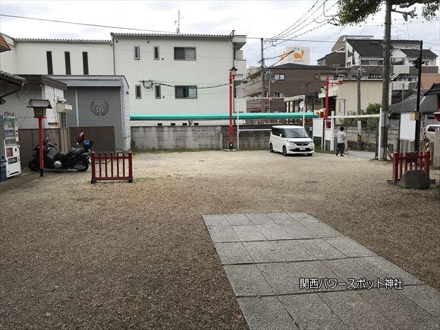 瓢箪山稲荷神社の駐車場(表参道側)