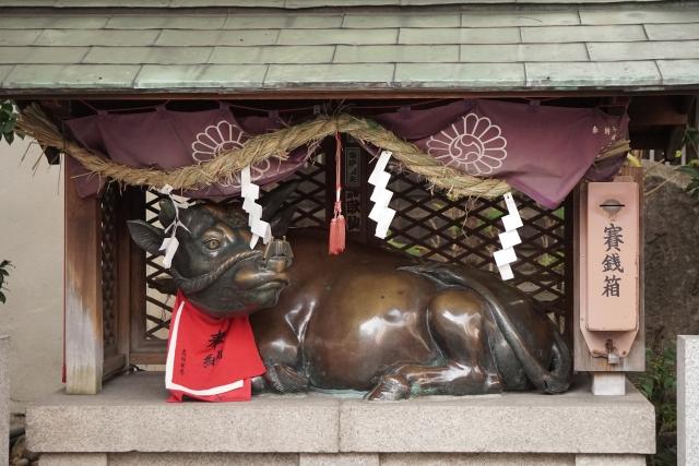 露天神社(お初天神)神牛舎