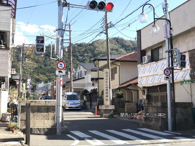 四条畷神社の表参道