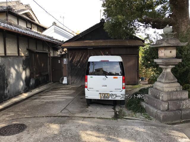 源九郎稲荷神社横の路地