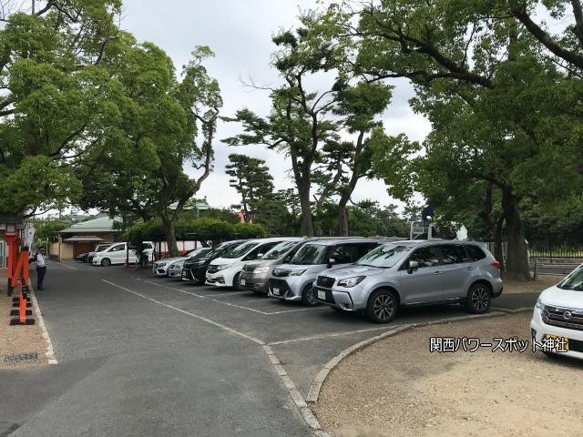 方違神社の駐車場