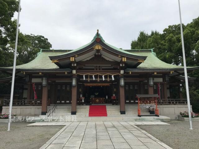大阪護国神社の拝殿