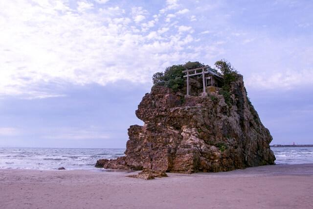 国譲り神話の舞台「稲佐の浜」