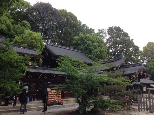今宮神社の本殿と疫社