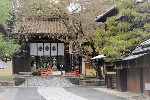 今宮神社東門前の道