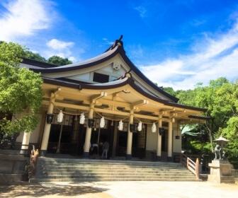 湊川神社の拝殿
